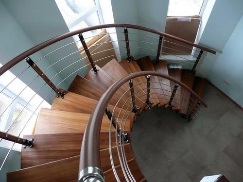 Лестницы чердачные парадные и